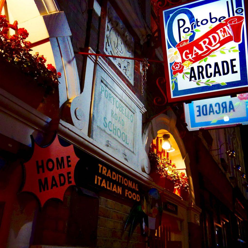 Portobello Garden Caffe' 通り